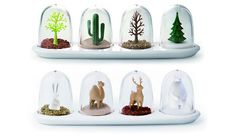 Qualy Design's snowglobe-like spice jars! This is so awesome and practical at the same time!