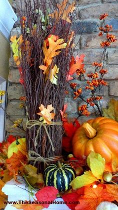 This may sound strange, but for me… FALL is a tough time of year, when it comes to decorating. It's hard to decide whether I want to be surrounded by a Fall, Halloween or Harvest (Than… Thanksgiving Decorations, Seasonal Decor, Halloween Decorations, Holiday Decor, Fall Decorations, Happy Thanksgiving, Fall Arrangements, Autumn Decorating, Plywood Furniture