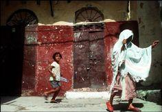 Harry Gruyaert - Tangiers. Streetlife in casbah. 1994.