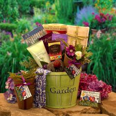 Spring in Bloom Mother's Day Gardeners Gift Pot - Holiday Gift Baskets at Hayneedle Perfect Gift For Mom, Gifts For Mom, Grandma Gifts, Homemade Gifts, Diy Gifts, Homemade Mothers Day Gifts, Cheap Gifts, Best Gifts, Mother's Day Gift Baskets