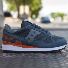 Saucony Shadow Original 2013 Summer Collection: The Saucony Shadow Original is back with some new colorways this summer. The Shadow Original -- a Mens Fashion Shoes, Sneakers Fashion, Shoes Sneakers, Men's Fashion, Cruise Fashion, Fashion Trends, Baskets, Saucony Shadow, Adidas Shoes Outlet