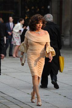 Joan Collins at London's Royal Academy of Arts