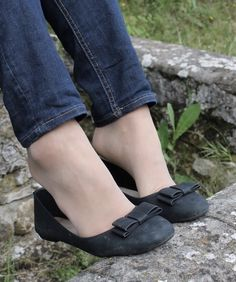 LoveNylon Ballerinas, Ballerina Flats, Ballet Flats, Tights Under Jeans, Miley Cyrus Hair, Flats Outfit, Nylons And Pantyhose, Girls Wear, Stockings