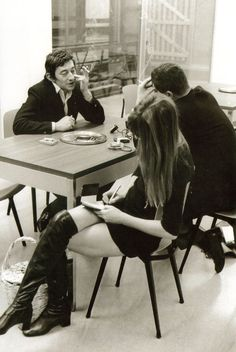 brainstorming people: Serge Gainsbourg and Jane Birkin Serge Gainsbourg, Gainsbourg Birkin, Charlotte Gainsbourg, Kate Moss, Style Jane Birkin, Jane Birken, 70s Fashion, Vintage Fashion, Classic Hollywood