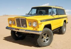 Sweet 60's Jeep Cherokee Cheif, with the Gladiator style grill... I love these things...