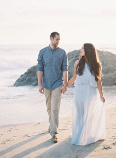 Casual Engagement Session Outfit Ideas | Wedding Sparrow | Sposto Photography