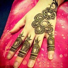 Latest new easy and simple Arabic Mehndi Designs for full hands for beginners, for legs and bridals. Stunning Arabic Mehndi Designs Images for inspiration. Henna Hand Designs, Finger Mehendi Designs, Rose Mehndi Designs, Simple Arabic Mehndi Designs, Mehndi Designs For Beginners, Mehndi Simple, Mehndi Designs For Fingers, Latest Mehndi Designs, Fingers Design
