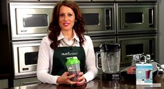 Nutrisystem's Deanna Otranto demonstrates how to prepare a delicious kale and blueberry smoothie.