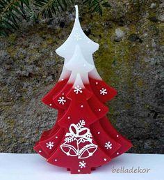 Vánoční+svíčka+-+stromek+Vonná+parafínová+svíčka+s+vánočním+motivem,+ručně+malovaná+.+Cena+za+1+ks.+Rozměry:+14,5x+10+x4+cm.+Barvy:+oranžová+-vůně+pomeranč+červená+-vůně+vanilka+bordó+-+vůně+vánoční+zelená+-+vůně+vánoční+strom+modrá+-vůně+vánoční+fialová+-vůně+vánoční+hnědá+-vůně+hřebíčková+Barvu+stačí+uvést+do+zprávy+k...