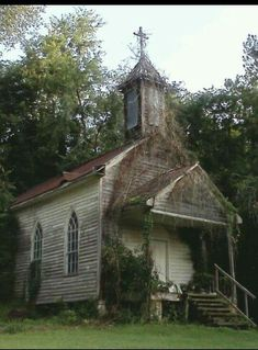 Think Mary Engles went to church there??  (So quiet & peaceful)
