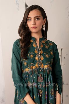 Indian Paksitani Stylish & Best Neckline Gala Designs for Asian Girls 2020 Collection for Asian Women consists of simple casual, heavy formal neck styles Asian Woman, Asian Girl, Gala Design, Neckline Designs, Suit Shirts, Casual Suit, One Piece Dress, Winter Collection, Indian Outfits