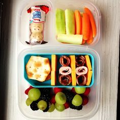 fruit cheese meat school lunch organizedCHAOSonline