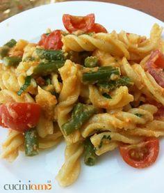 Fusilli #homemade con fagiolini, pomodorini e pesto di mandorle http://cuciniamo.mammeonline.net/fusilli-fagiolini-pomodorini-pesto-mandorle/