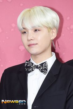 [⭐] SUGA // 171202 BTS at MMA Red Carpet