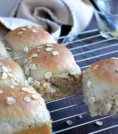 Quick Whole Grain Oat Rolls