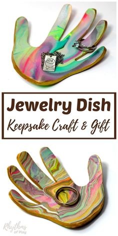 Family members love receiving handmade gifts that kids can make.This DIY marbled clay jewelry dish keepsake craft makes a unique homemade gift idea for Christmas, Mother's Day, and Father's Day. A ring bowl and jewelry dish for both men and women.