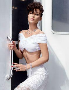 """Bella Hadid w tureckim wydaniu """"Vogue'a"""""""