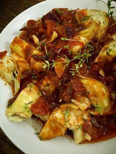 GATIM, MANCAM, SAVURAM: Inimi de anghinare in sos de rosii Chicken Wings, Meat, Kitchen, Food, Cuisine, Meal, Eten, Home Kitchens, Meals