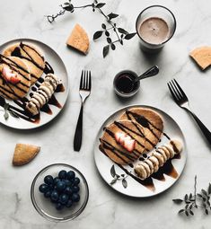 66 trendy ideas for breakfast photography food photo Breakfast Pancakes, Best Breakfast, Breakfast Buffet, Tumblr Breakfast, Breakfast Quotes, Fruit Pancakes, Breakfast Pictures, Breakfast Potatoes, Breakfast Burritos