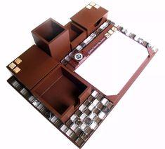 Kit para escritório com características da fase/elemento Terra: quadrado e marrom. Feng Shui, Organized Desk, Bold Stripes, Brown, Organizers