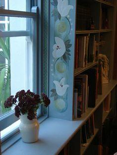 Bloomsbury inspired book room