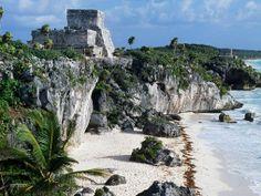 The strand below El Castillo, one of Tulum's ancient ruins