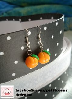Discover recipes, home ideas, style inspiration and other ideas to try. Diy Earrings Polymer Clay, Polymer Clay Charms, Handmade Polymer Clay, Diy Clay, Clay Crafts, Biscuit, Diy Friendship Bracelets Patterns, Jewelry Design Earrings, Best Friend Jewelry