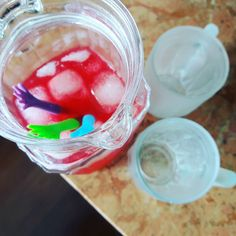Não tem drinks então vamos de pink lemonade!