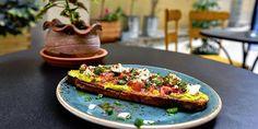 Μικρά μυστικά στις γειτονιές της Αθήνας Athens, Vegetable Pizza, Vegetables, City, Food, Essen, Vegetable Recipes, Cities, Meals