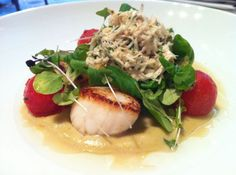 Market Catch: Fresh Scallops in mustard and cream sauce with salad garnish at InterContinental Dublin #Thereadingroom