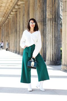 4a4a669ca3b7 green palazzo pants spring summer 2018 fashion streetstyle cookbook asos  quay designer bag blogger blog berlin