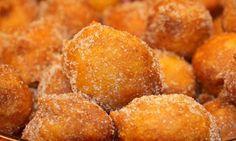 Sonhos de Natal – A verdadeira e tradicional receita! Ficam super deliciosos! - http://www.sobremesasdeportugal.pt/sonhos-de-natal-a-verdadeira-e-tradicional-receita-ficam-super-deliciosos/