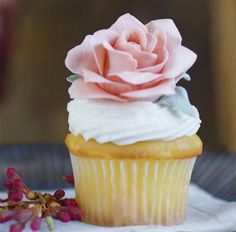 Recipe April Showers Bring May Flowers...Gum Paste Flowers, That Is by 2 Stews - Petit Chef