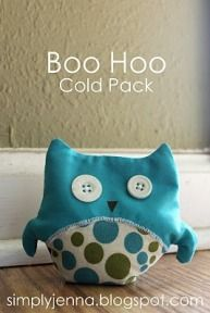 boo hoo owl cold pack how to - this would be better in the classroom than dripping bags of ice. Also would keep the kids from sucking on them.