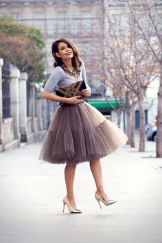 i'm in love with big tulle adult skirts! <3