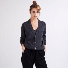 the cashmere cardigan ++ everlane