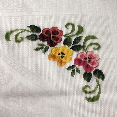 1 million+ Stunning Free Images to Use Anywhere Simple Cross Stitch, Beaded Cross Stitch, Cross Stitch Borders, Cross Stitch Flowers, Cross Stitch Patterns, Sewing Stitches, Crochet Stitches, Baby Embroidery, Embroidery Designs