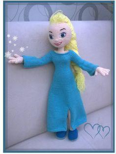 Aradım, taradım istediğim gibi bir tarif bulamadım Elsa için. Ne yapalım iş başa düştü uğraştım kendim doğaçladım.  43 cm boyunda bu prenses...