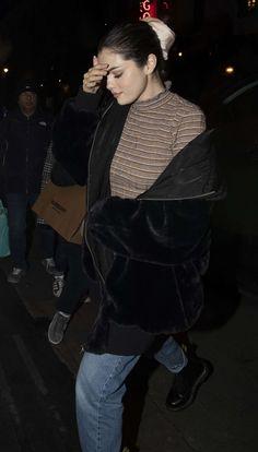 Selena Gomez at Patara Thai Restaurant in London 12/03/2019. #selenagomez  #selenagomezstyle #celebrity #fashion #clothing #closet #celebrityfashion #celebritystyle #celebritystreetstyle #streetfashion #streetstyle