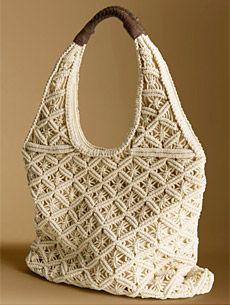 Chic, trendy, and stylish, this macrame bag is something both teens and adults w. Macrame Purse, Macrame Knots, Macrame Bracelets, Diy Sac, Macrame Projects, Craft Projects, Macrame Design, Macrame Tutorial, Macrame Patterns