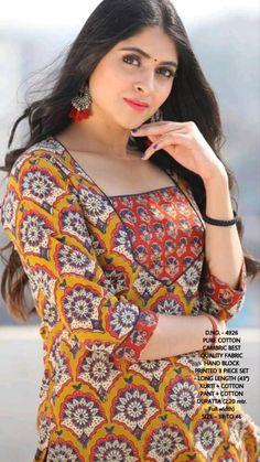 Ethenic Wear, Indian Wedding Photos, Indian Embroidery, Bollywood Saree, Saree Wedding, Indian Dresses, Indian Jewelry, Lehenga, Indian Fashion