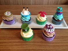 Alice no Pais das Maravilhas cupcakes