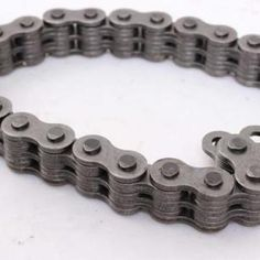 How much can a plate chain save you? Roller Chain, Empty Bottles, Crimping, Table Storage, Steel Plate, Steel Material, Save Yourself, Save Energy, Plates