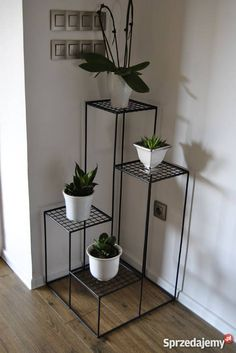 Welded Furniture, Steel Furniture, Home Decor Furniture, House Plants Decor, Plant Decor, Garden Rack, Diy Wall Decor For Bedroom, Metal Plant Stand, Plant Stands