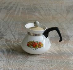 Tea Kettle Spice Of Life Corning Ware Stove top Teapot My Childhood Memories, Childhood Toys, Great Memories, 70s Home Decor, Oldies But Goodies, Good Ole, Ol Days, The Good Old Days, Vintage Kitchen