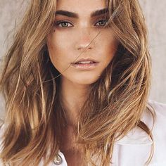 """""""Yes, it might be winter, but we are dreaming of summer. Coveting summer locks & balayage gold with the gorgeous @kylieprusak @agencyaz MU/hair/photography by the uber talented @_michaelfranco_ #covetcolor #michaelfranco⠀"""""""