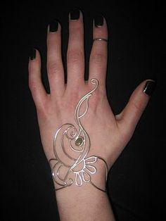 """""""Henna"""" bracelet + ring by Avital Lang"""