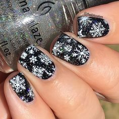 My very last post is up over at @cutegirlshairstyles (link in bio!) and it's all about wintery Wonderland nail art!!! I've had a blast this past year and I hope you've enjoyed my posts too!!! ❄️❄️❄️❄️❄️❄️ @chinaglazeofficial Liquid Leather topped with #fairydust makes these wintery nails full of holo sparkle!