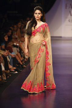 saree by manish malhotra