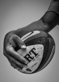 Jonny Wilkinson - Rugby Player from A Show of Hands, by Tim Booth Photography Rugby Training, Boxing Training, Rugby Sport, Rugby Club, Photo Rugby, Ballon Rugby, Rugby Wallpaper, Planets Wallpaper, Crosse De Hockey